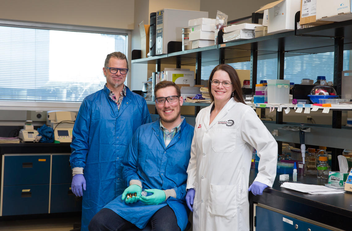 University of Calgary researchers David Cramb, Christopher Sarsons and Kristina Rinker developed a novel approach to improve cancer diagnosis and treatment utilizing engineered nanoparticles.