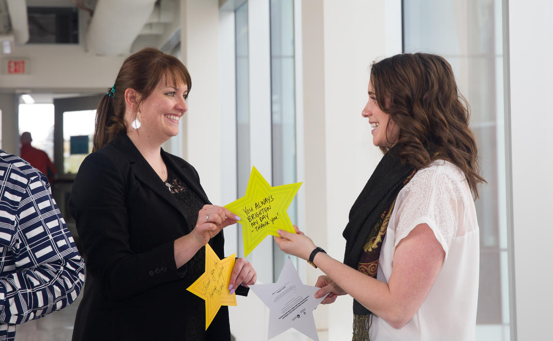 Share why you appreciate your colleagues with Give 'n' Thanks stars.