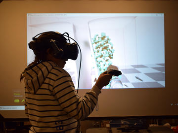 At the Collaboration Centre, all campers spent half a day learning about augmented and virtual reality using the LINDSAY Virtual Human project, a computer-generated 3D virtual human used by students to learn about anatomy and physiology.