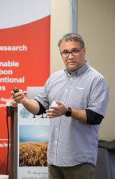GRI energy director Ian Gates, professor of chemical and petroleum engineering at Schulich School of Engineering, shared research developments at a recent oil and gas industry lunch and learn.